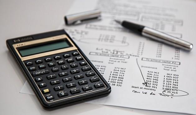 impostos e taxas